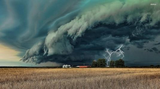 storm-cloud-1